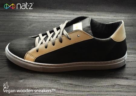 nat-2 wooden sneaker black logo Kopie - Kopie