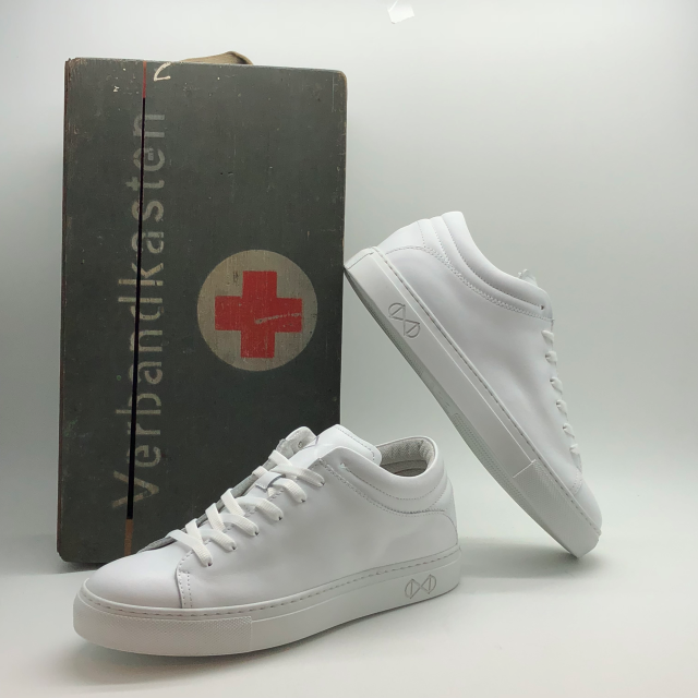 nat-2 sleek doc all white 4