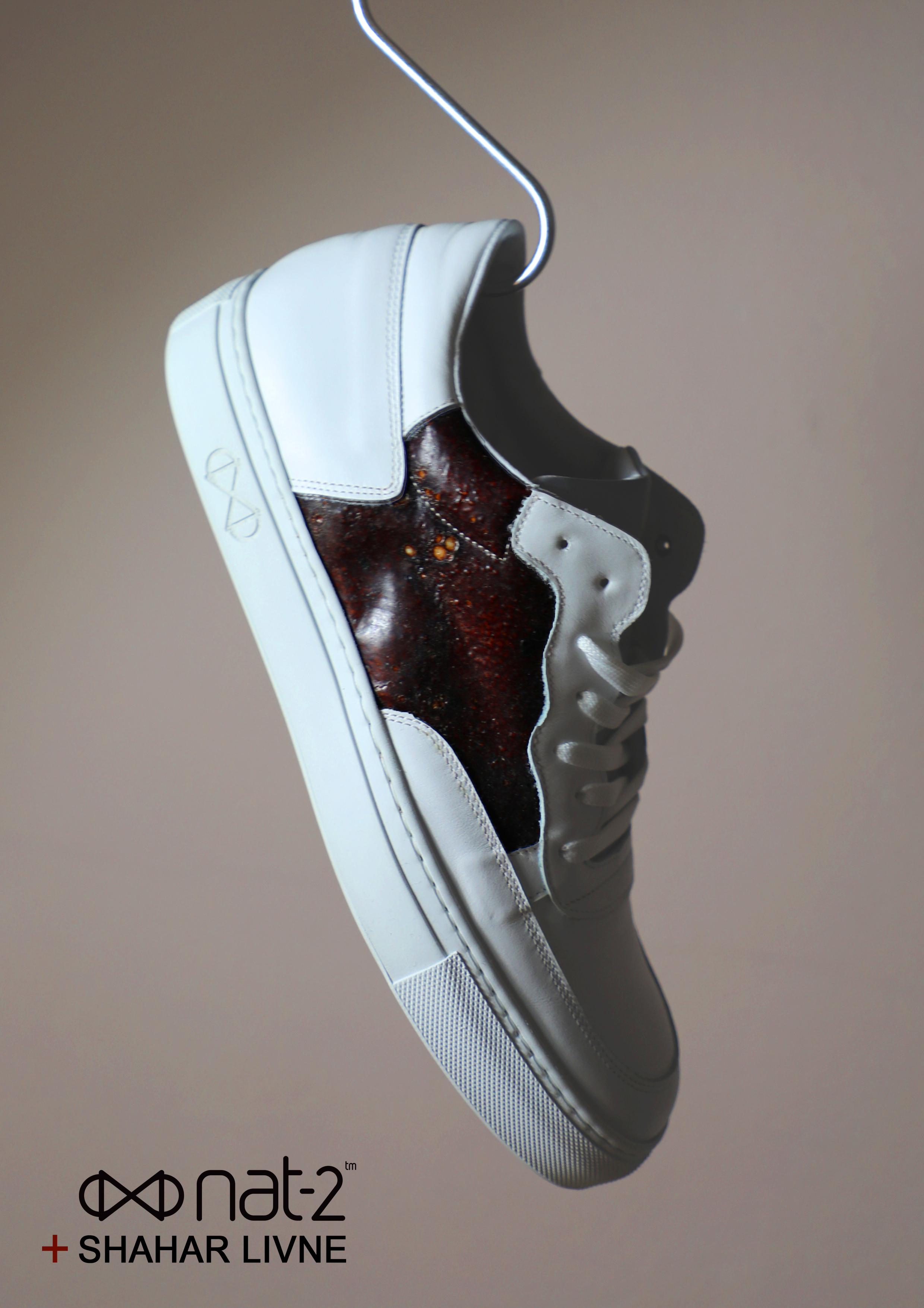 nat-2 x Shahar Livne Blood Sneaker Kopie